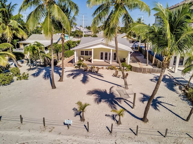 GULF FRONT / BREEZY BEACH COTTAGES* TOP 20 BEST COTTAGES IN COUNTRY!!