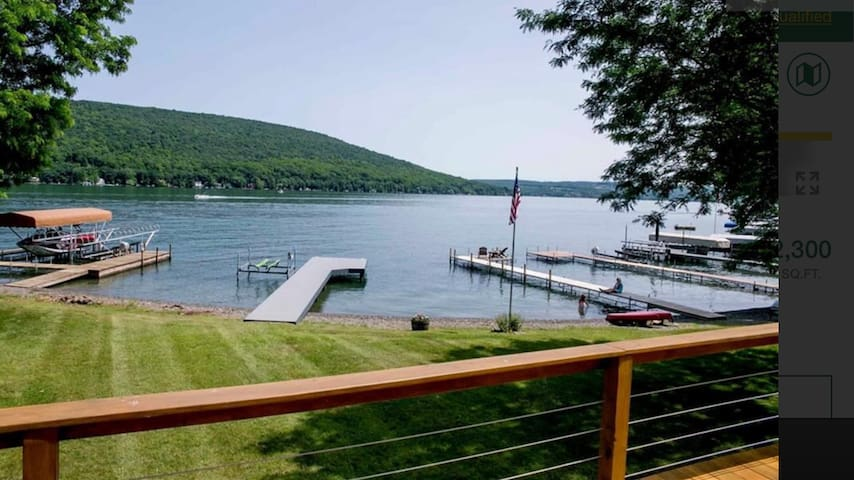 *New* Keuka Views/level lake front/sleeps 8/kayaks