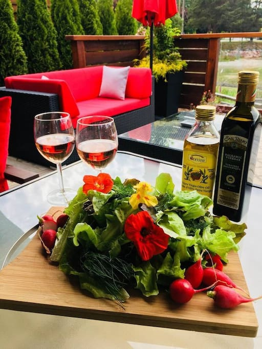 Enjoy your meals with your favourite bottle of wine on the private patio (photo credit: T. Harapiak)