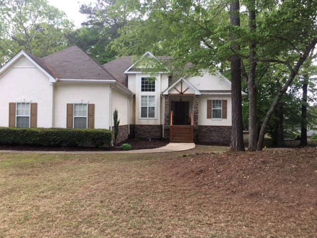 Senoia House-4 BR/3 Bath House 6+ Month Lease Only