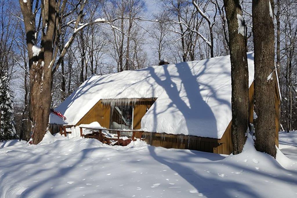 Luna Chalet Winter Exterior