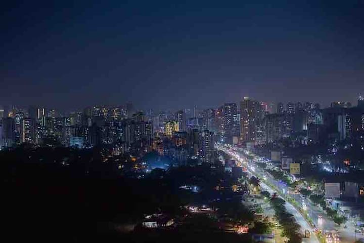 Bright lights, big city..Fantastic night time view from the apartment!  Photo courtesy: Guest Mr Aqueel Ahmed