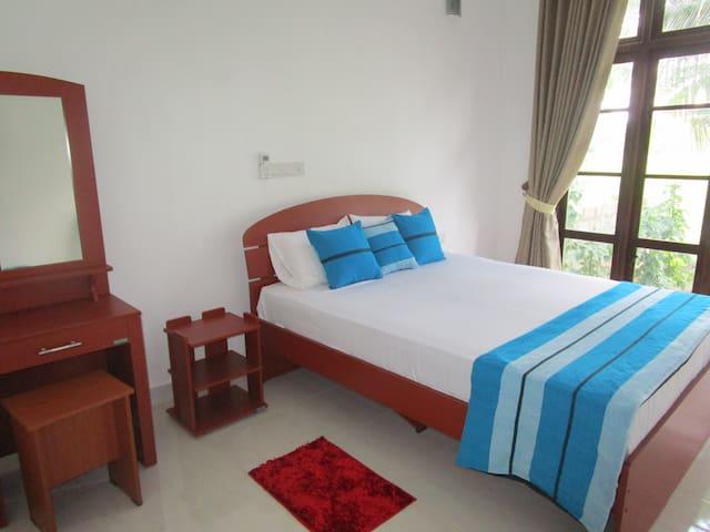 Serene View Tourist Rest - Anuradhapura - Guesthouse