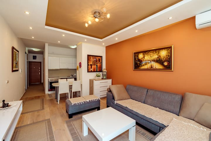 Brand new flat Sara, 20m from beach
