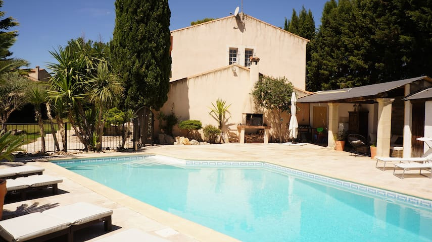 House with salt water pool 20km from the beach - Baillargues - Dom