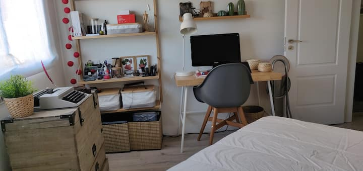 Cozy room i Feria de Madrid Area.