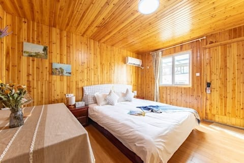 【福寿人家】紧邻东关街/个园/瘦西湖/何园旁木质大床房,交通便利,位于老街。