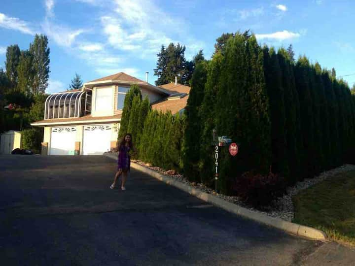 Private King Master Suite by the Shuswap Lake.