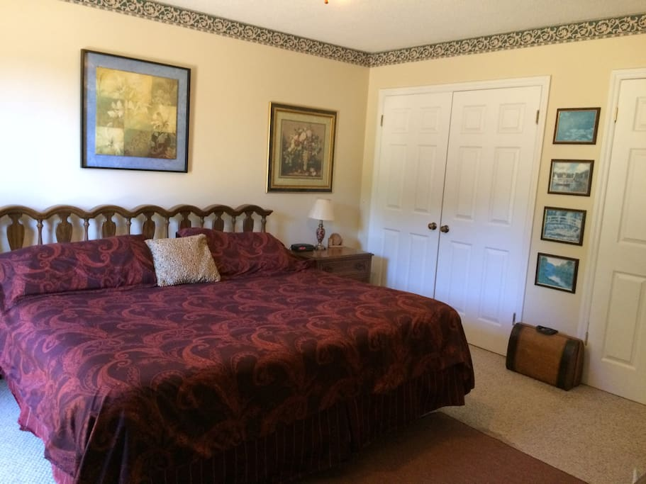 Master bedroom with private deck houses for rent in for 12x16 master bedroom