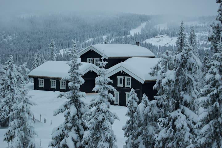 Eksklusiv stor hytte på Kvitfjell