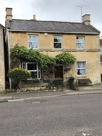 Prospect cottage nr Bath & Bradford-on-Avon