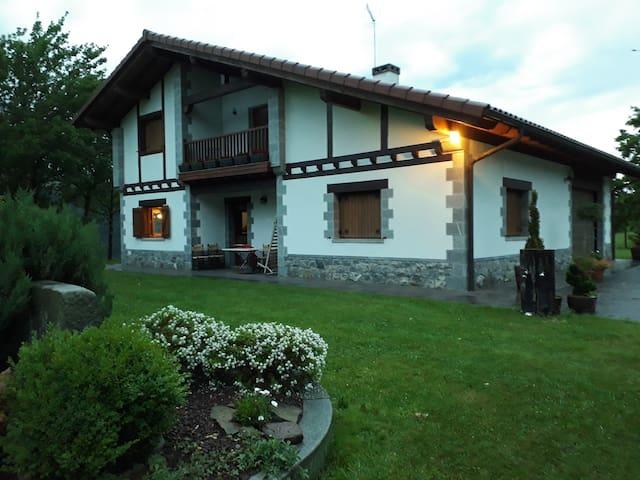 Casa en dima bilbao vizcaya casas rurales en alquiler en arratia nerbioi pa s vasco espa a - Casas pais vasco ...