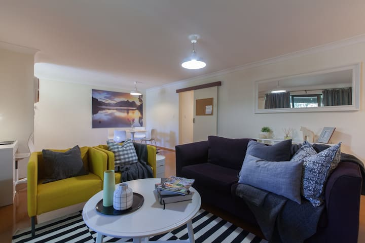 Charming Garden Apartment, Enjoy WA - Shenton Park - Daire