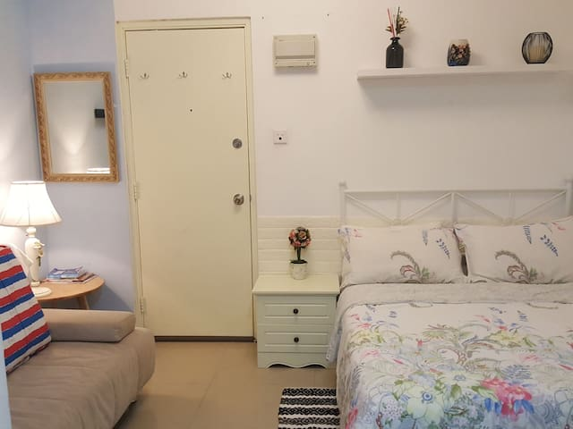 Cozy studio,near MTR