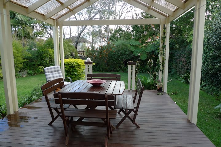 NEAR CRONULLA  BEACH HOLIDAY  HOME - Caringbah South - Haus