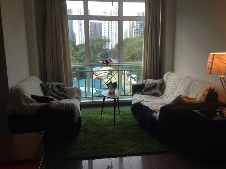 Central Master bedroom in Orchard/River Valley
