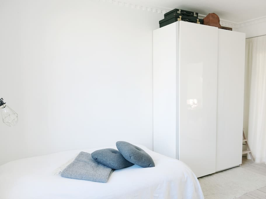 Double bed and wardrobe. There'll be fresh bed sheets on the bed, duvets and pillows. If you want a double duvet it can be found in the closet.  I´ll empty the left section of the closet so you´ll be able to unpack properly. Iron can be found in the kitchen over the fridge.
