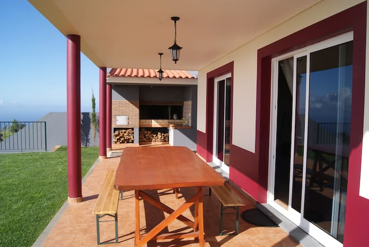 Casa do Cabo - Ponta do Pargo - Lombada Velha - Casa
