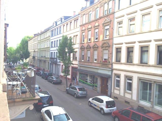 Altbau Weststadt hell und zentral - Heidelberg - Apartment