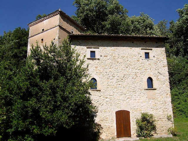 Fortified house in Borgo Fontanini - Zocca - Kastil