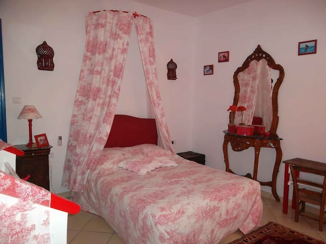 Suite parent du Paon  Dar el Asfour - Djerba Midoun - Bed & Breakfast