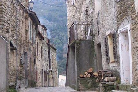 Appartement dans maison de village - Santo-Pietro-di-Tenda