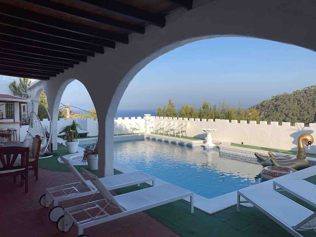 Ibiza Castle  Amazing Sea Views HUGE SPACE 1,200m2