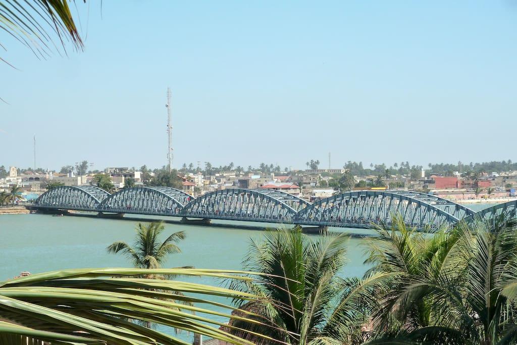 la plus belle vue St-Louis, le fleuve Sénégal et le pont Faidherbe