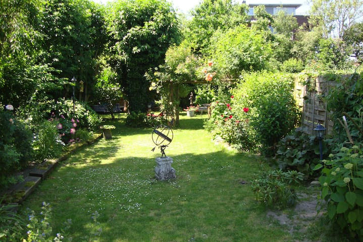 Tuinhuis `Het Waaljuweel!` - Druten - Houten huisje