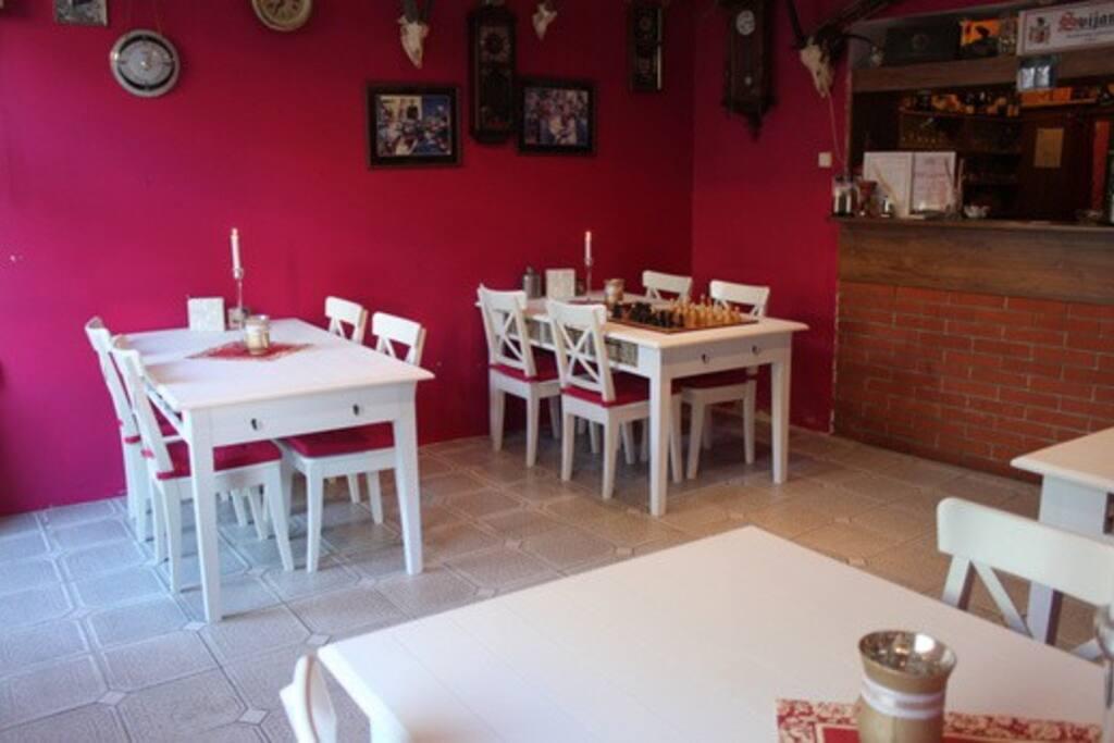 Restaurace speciálně pouze pro hosty penzionu.