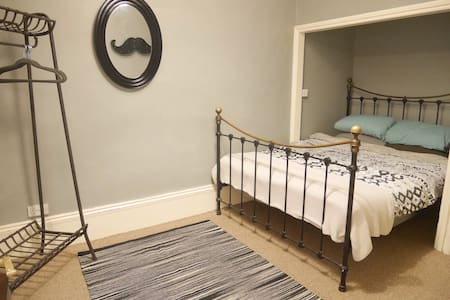 Seven dials, boutique LGF apartment - The City of Brighton and Hove