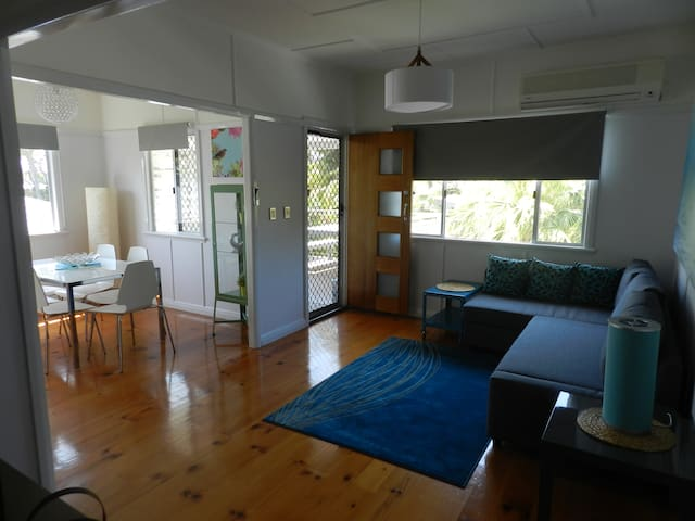 Beachmere Motel Guest House