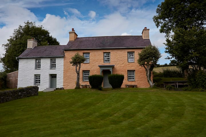 Welsh Farm House - Penrhiw-llan - บ้าน