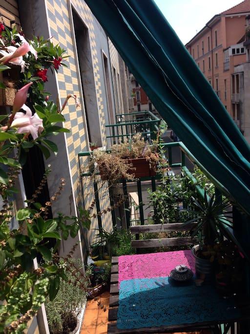 Balconcino con tavolo per 2 - balcony 2 people table
