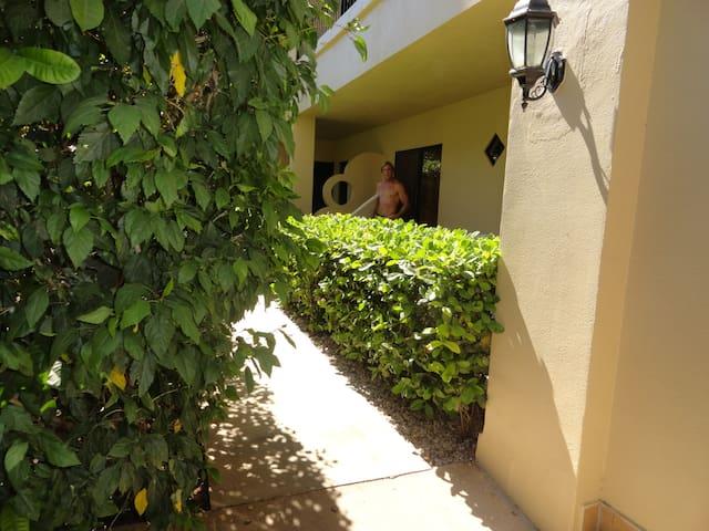 Best Location in Town #2 - Tamarindo - Apto. en complejo residencial