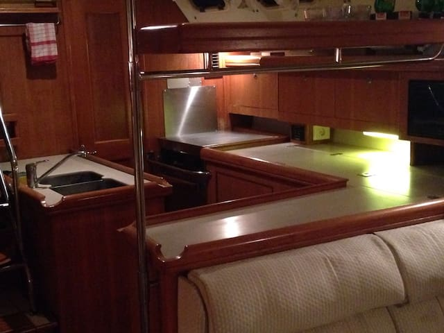 luxury Yacht double cabin - Gibraltar - Bot