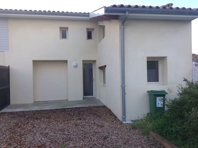 Maisonnette aux portes du médoc - Parempuyre - Huis