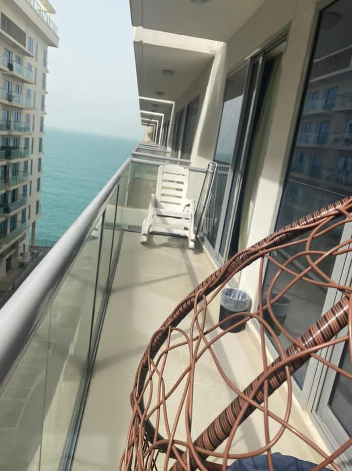 1BHk Sea View full furnished 65'' LED Netflix