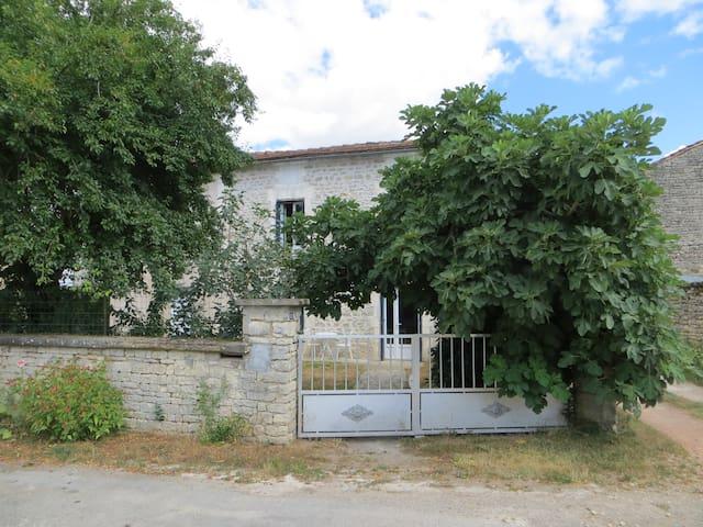 Maison 6 personnes Mansle Charente - Mansle - Casa