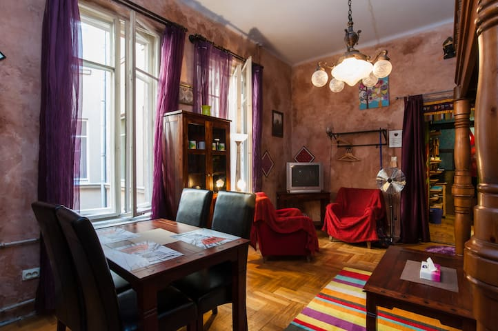 Apartment in the Heart of Budapest