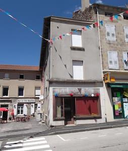 sur le chemin de compostelle - Montfaucon-en-Velay - Casa