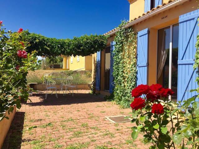 villa Lubéron au centre des villages de Provence - Villelaure - House