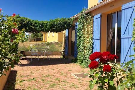 villa Lubéron au centre des villages de Provence - Villelaure