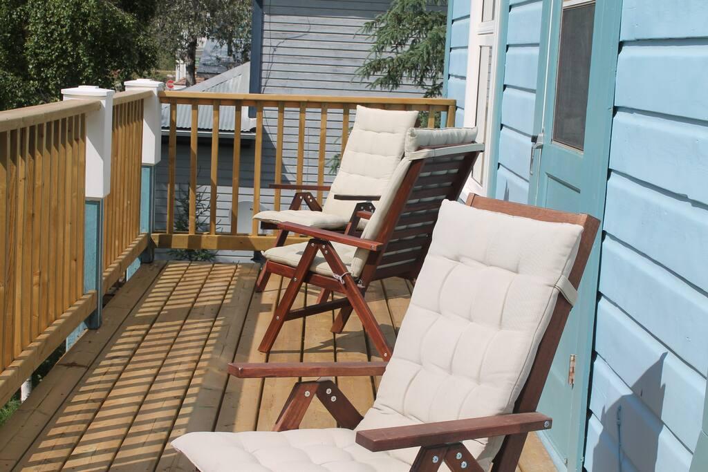 2nd storey deck