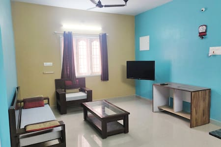 Srusrika2BHK ,Mini Gym, DLF L& T MIOT Tradecenter