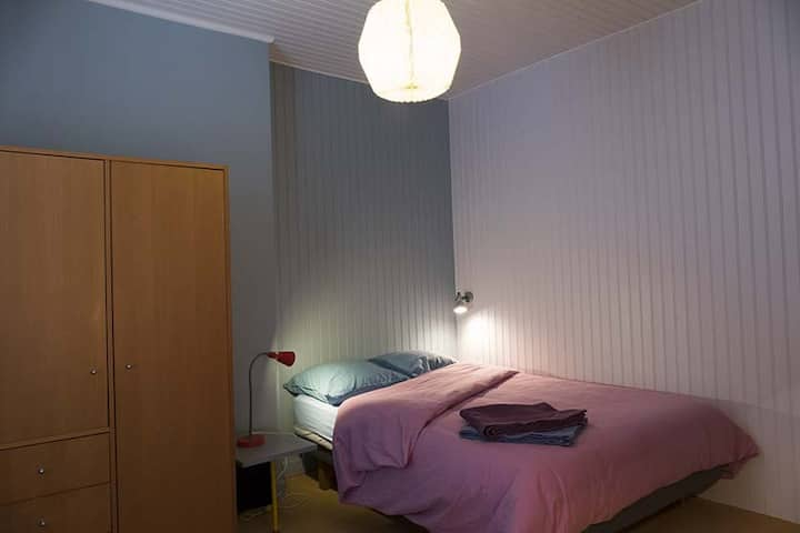 Quiet and cosy room ideally located