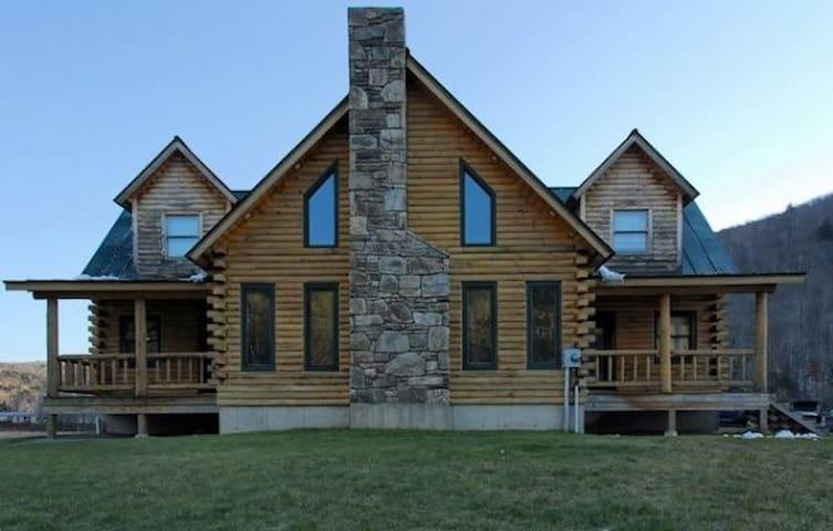 Trendy Mountain House - 10m Killgtn - Bridgewater Corners