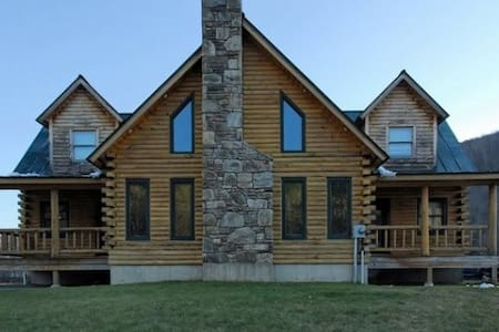 Trendy Mountain House - 10m Killgtn - Bridgewater Corners