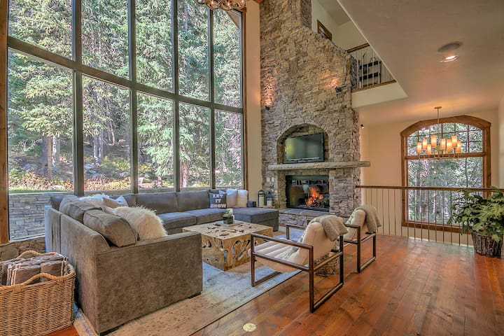 "Ski-in/ski-out, Brand New ""Mountain Modern Luxe""! - Winter Park - Townhouse"