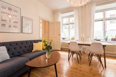 Newly renovated apartment from 1898 - Sztokholm